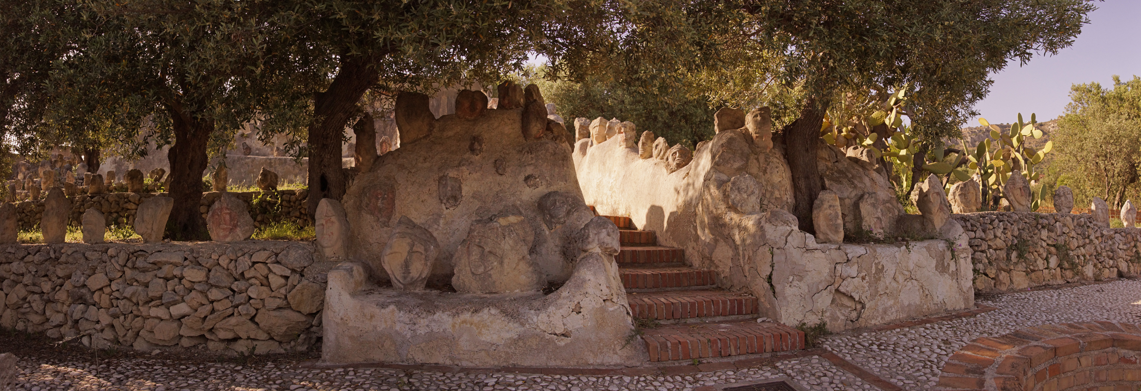 Vrt 'seoskog luđaka', Sicilija Sciaccafascia9b-sm
